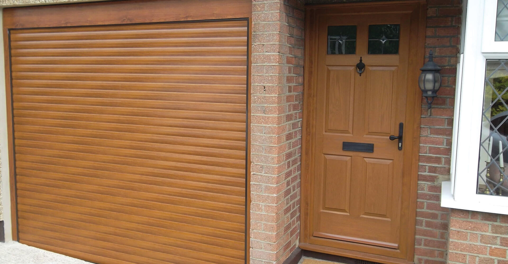 single roller garage doors Newcastle